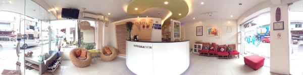 Dental 4 U - Chiang Mai dentist - reception desk