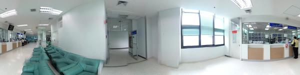 Yanhee Hospital (Dental Center) - Bangkok - OPD Pharmacy and waitng area