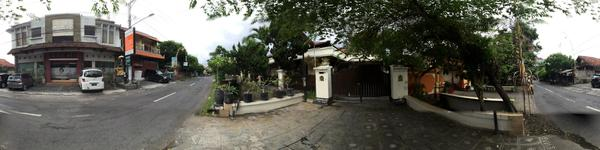 Manika Aesthetic Clinic - Denpasar, Bali - Exterior view of clinic with parking lots