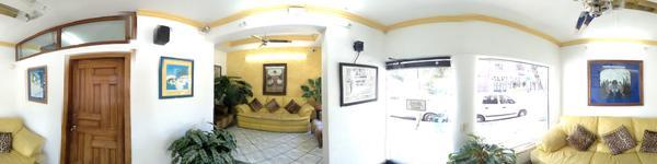 Dr. Ignacio Gómez Gutierrez -Puerto Vallarta- patient waiting area